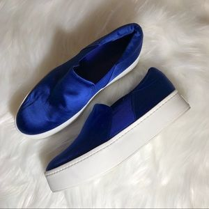 Vince Size 7 Blue Shoes